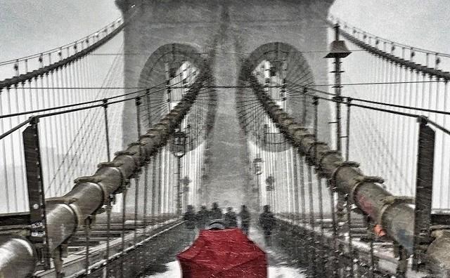 Фотографии од Њујорк затрупан со снег
