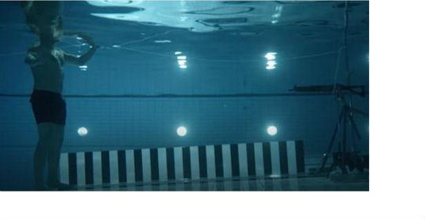 ВИДЕО: Пукал самиот во себе под вода, еве што се случи!