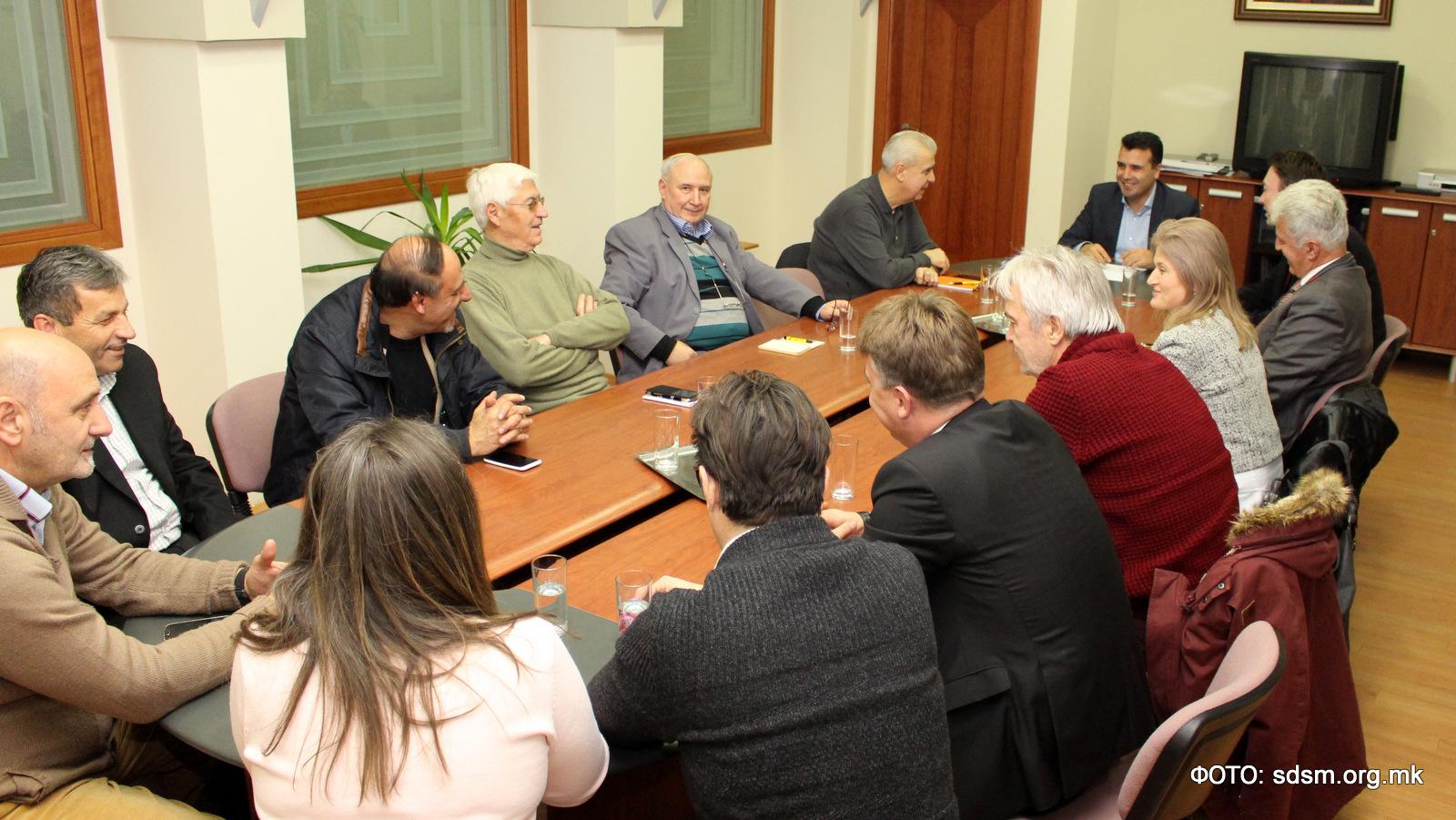 Средба на Заев со коалиционите партнери