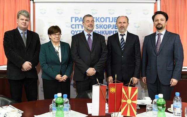 Sredba delegacija Varsava (2)
