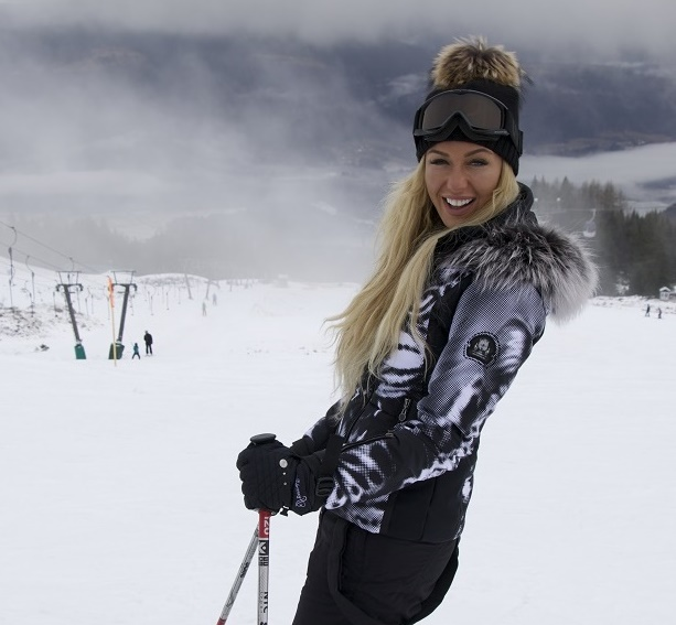 Ексклузивни фотографии од Австрија со Аделина Тахири!