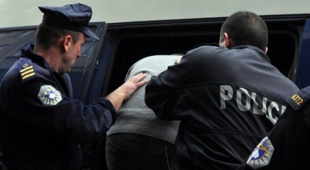 Повратници од Сирија уапсени на аеродромот во Приштина