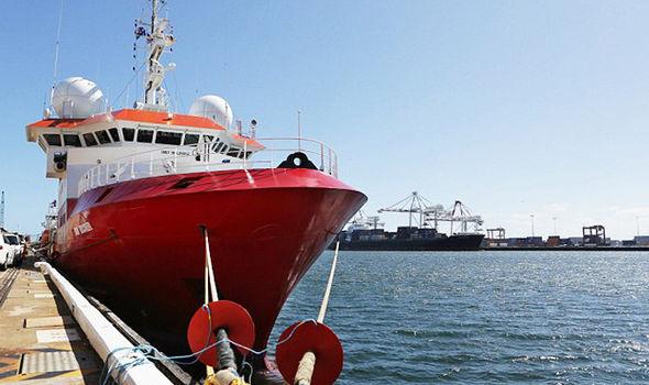 Несреќа на брод што трагаше по исчезнатиот малезиски авион