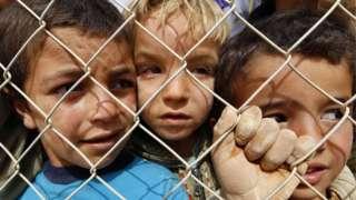Велика Британија ќе прима деца бегалци одвоени од родителите