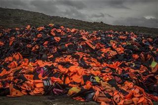 Турска фирма им продавала неисправни елеци на бегалците