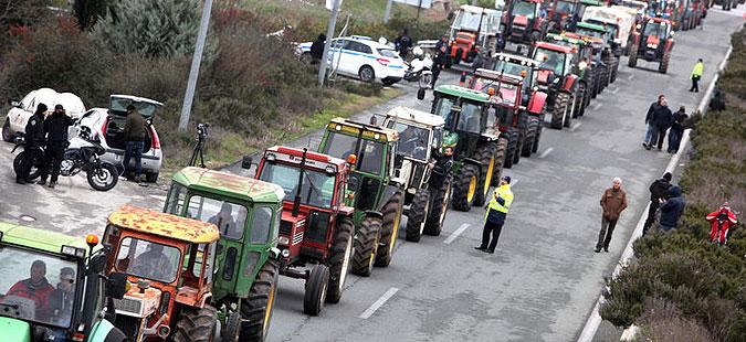 Грчките земјоделци денеска решаваат за продолжување на блокадите