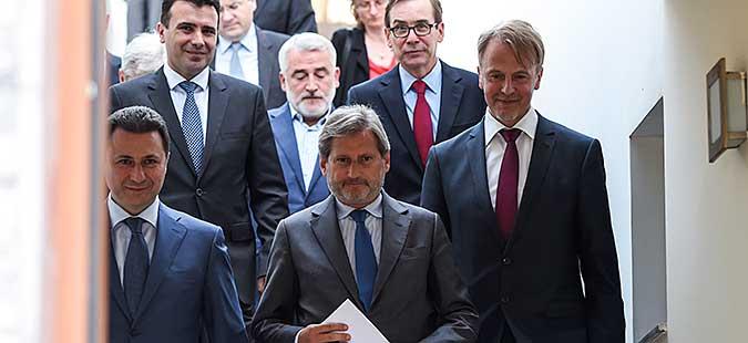 Еврокомесарот Хан во посета на Македонија