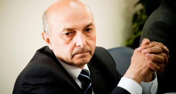 Мустафа нема да се сретне со Вучиќ додека ЕУ не ги укине визите