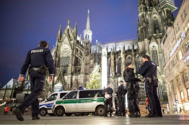 Уапсени двајца напаѓачи од инцидентите во Келн
