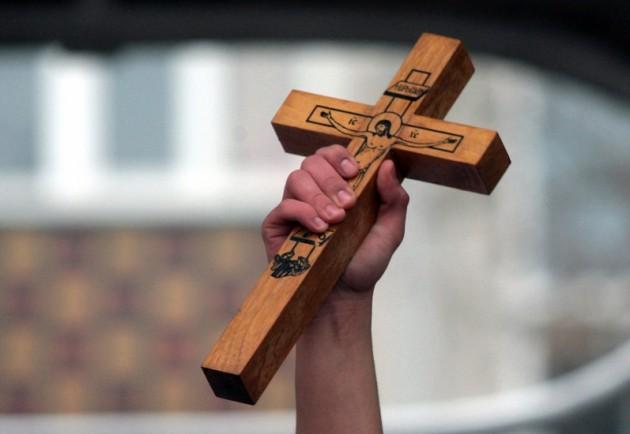 Кавадарци: Крстот во рацете на 17 – годишниот Стефан Ѓорѓиев