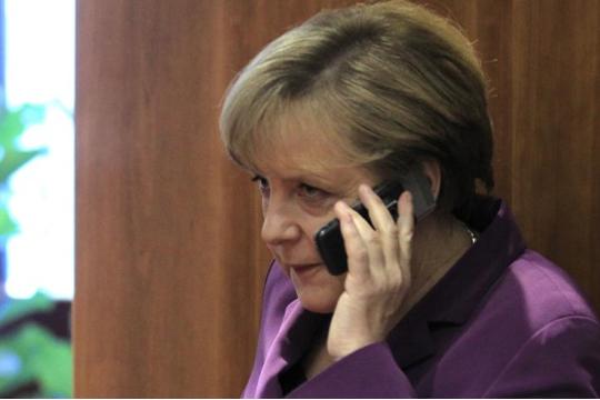 Канцеларијата на Меркел запечатена поради сомнителен пакет