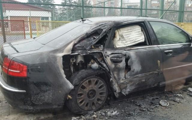 Сообраќајка во Карпош, две возила опожарени