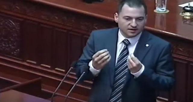 Саздов: На Заев му фуфка да дојде пред анкетната