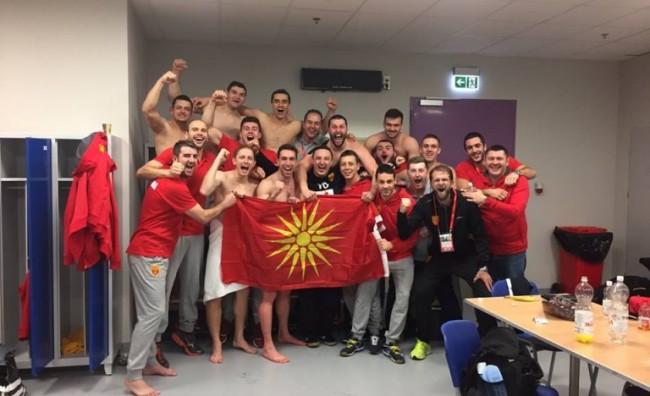 Победничка фотографија од соблекувалната на Македонија!