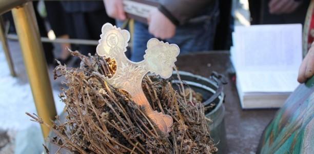 Православните верници го празнуваат празникот Водокрст – Еднодневен пост