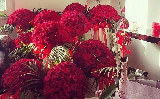 """1001 роза и едно """"Да"""" : Најромантичното запросување годинава! (ФОТО)"""