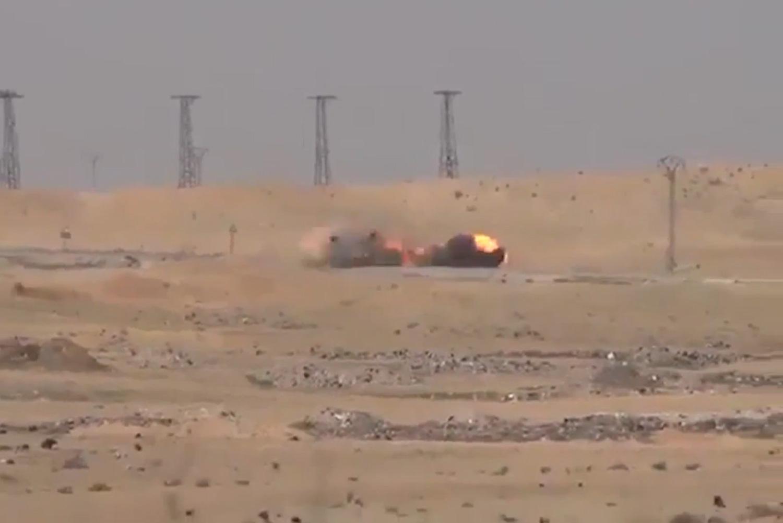 ВОЗНЕМИРУВАЧКО ВИДЕО: Автомобил бомба на ИД уништен пред да ја заврши мисијата