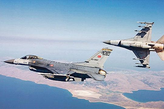 Шест турски авиони го повредиле воздушниот простор на Грција