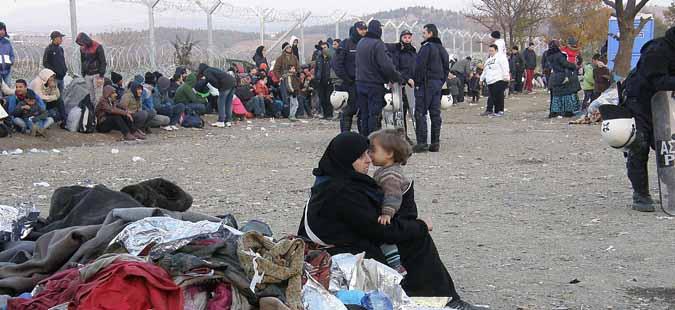 Грчката полиција забрани пристап на медиумите во прифатните центри за бегалци
