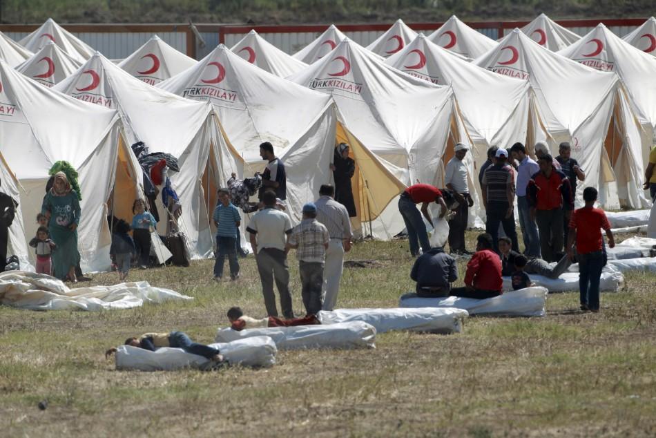 Турција стравува од прилив на 600.000 бегалци од Сирија