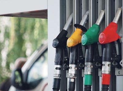 Цената на горивата се намалува за половина до еден денар
