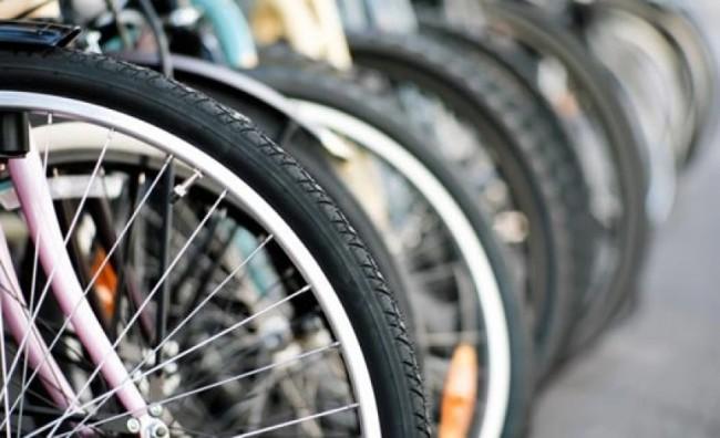В петок на работа со велосипед!