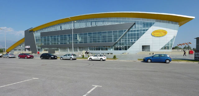 Груевски: Нова затворена тениска арена ќе се гради во Скопје