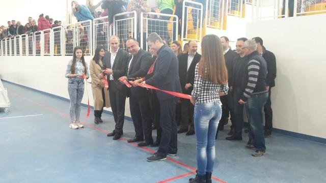 ФОТО: Нова спортска сала во населба Ченто