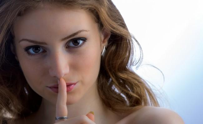 Лош секс, долгови и бројот на партнери се најчестите тајни на жените