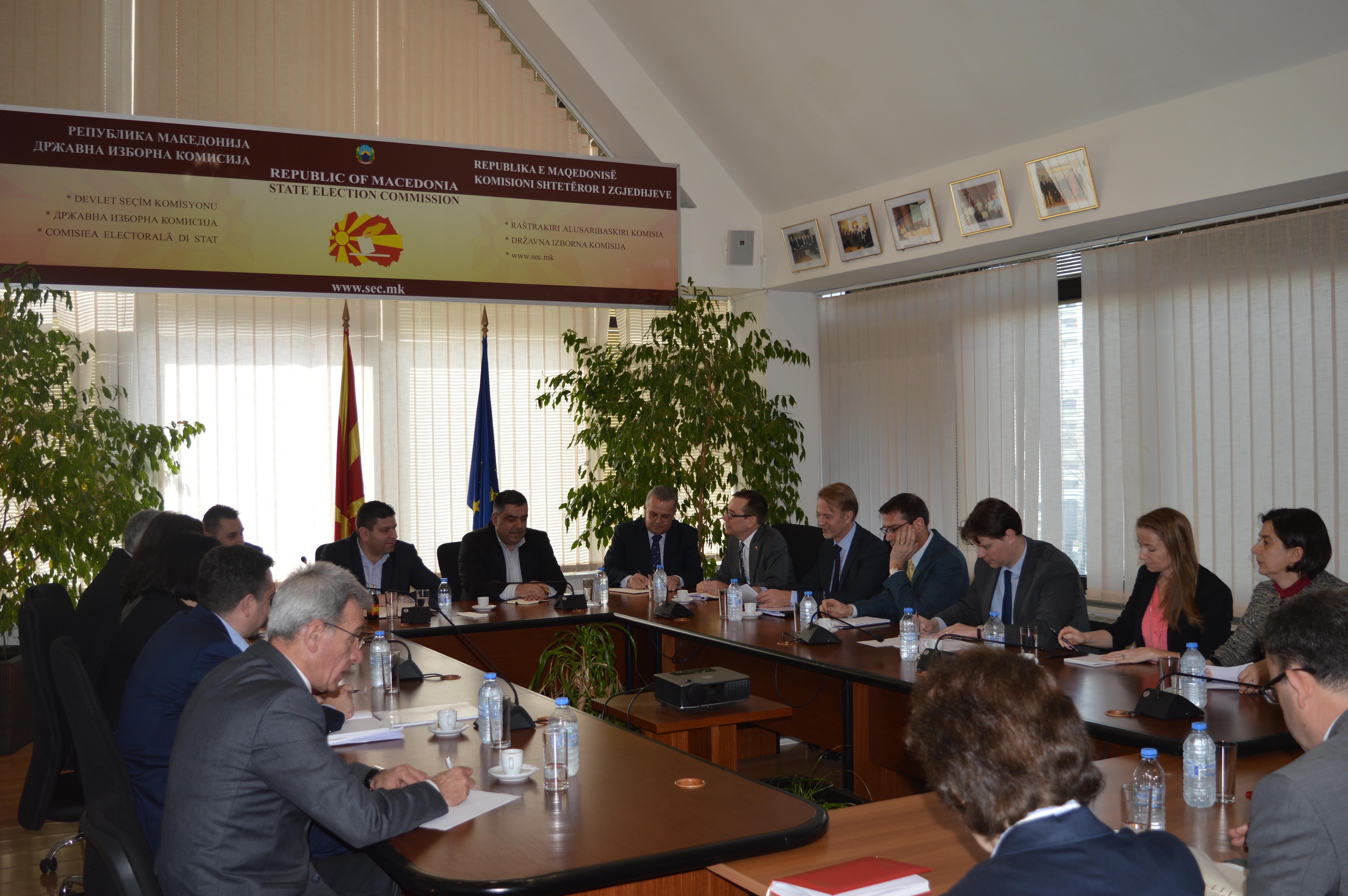 """""""Дневник"""": За четири години на СДСМ двојно повеќе нови гласачи отколку за осум на ВМРО-ДПМНЕ"""