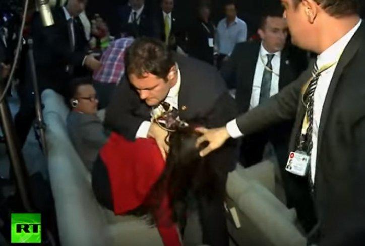 ВИДЕО: Како обезбедувањето на Ердоган се пресметува со жени?