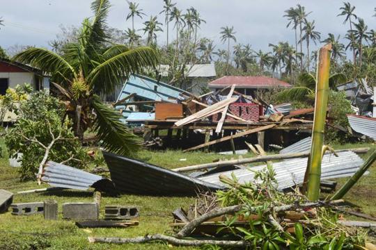 Дваесет лица загинаа во налет на циклонот Винстон на Фиџи