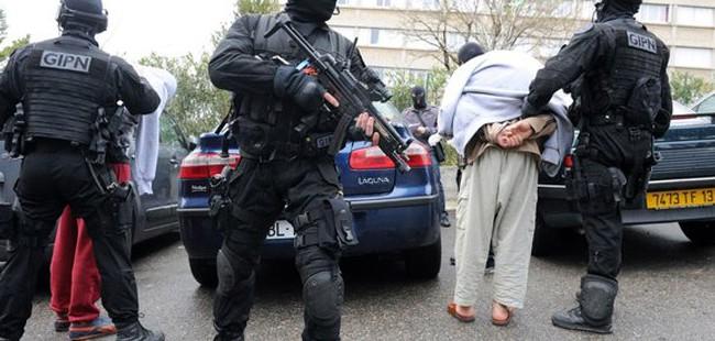 Франција: Уапсени пет лица кои се подготвувале да заминат за Сирија