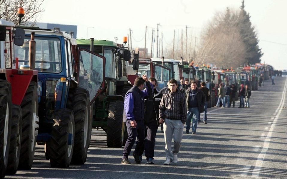 Грчкиот извоз најпогоден од блокадите – Дневни загуби од 30 милиони евра!