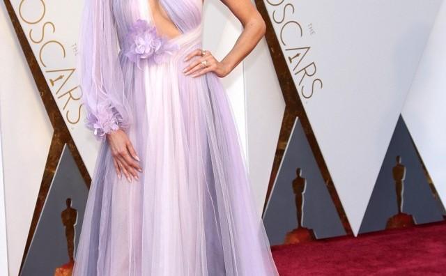Оскари: Ова се најлошо облечените ѕвезди од холивудскaта елита