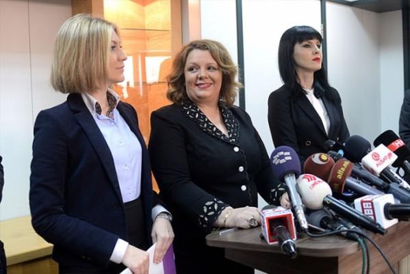 """""""Курир"""": Јанева на чело на фрегата од """"титаници"""" за да му помогне на Заев да не излезе на избори"""