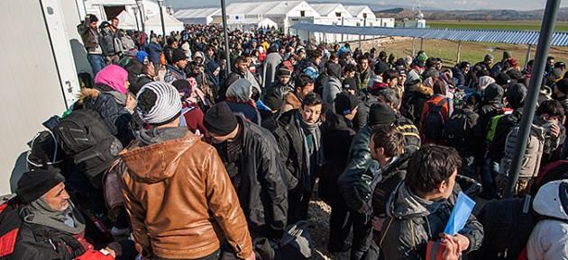 Иванов: Се повеќе бегалци со лажни исправи сакаат да ја минат границата
