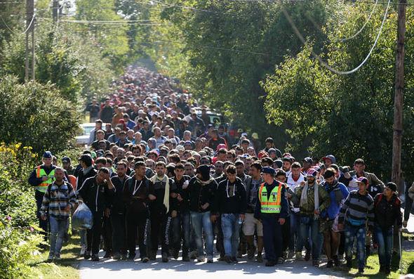 Над 110.000 бегалци стасале во ЕУ во првите два месеци од годинава