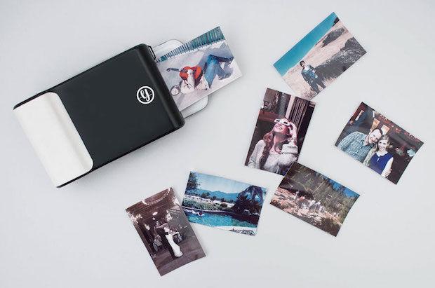 ВИДЕО: Oвој уред веднаш ги печати вашите фотографии од смартфон