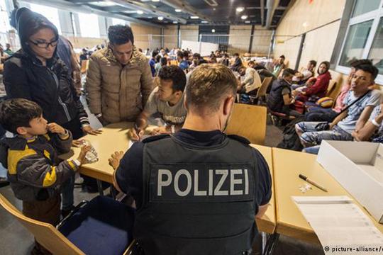 """""""Билд"""": Затворањето на балканската рута го намали мигрантскиот прилив во Германија"""