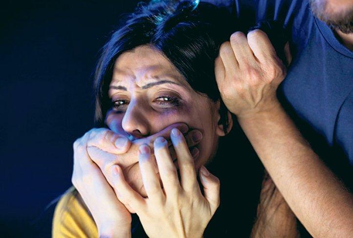 Битолчанец ја присилувал сопругата на проституција