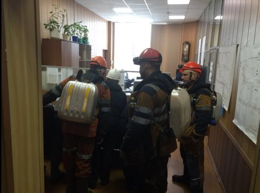 Експлозија во рудник во Русија: 26 лица исчезнати, 5 спасувачи загинаа