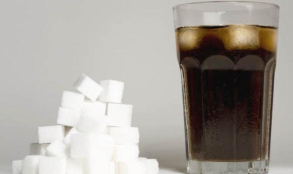 Велика Британија воведе данок на пијалоци со шеќер