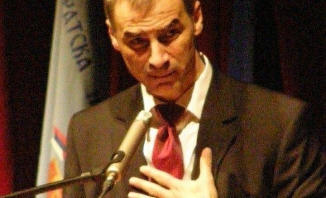 Стоиилковиќ: ДИК треба да отвори дебата за проблемите, а не да креира хаос