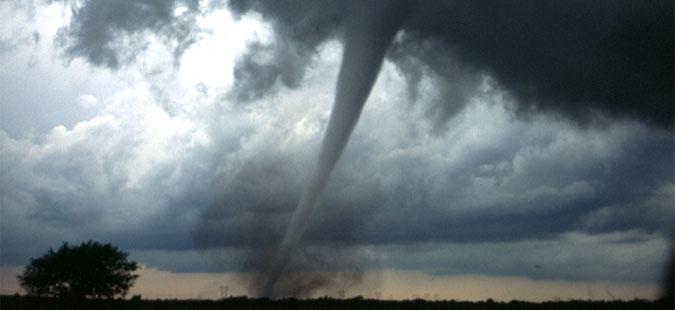 САД: Најмалку седум торнада и тројца загинати