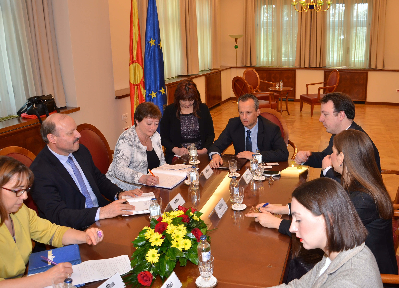 Вељаноски на средба со известители на Комисијата за почитување на обврските и заложбите на земјите-членки на СЕ