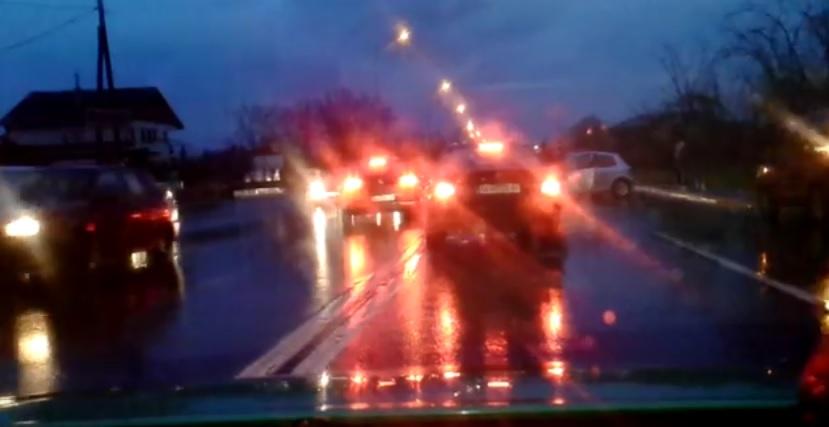 """ВИДЕО: Карамбол на булeвар """"Борис Трајковски"""" – се судрија три возила"""