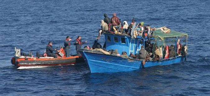 Десетици исчезнати лица од потонат чамец со мигранти крај либискиот брег