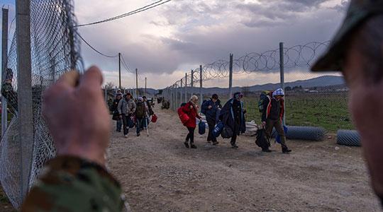 Трет ден нема влез на нови мигранти на јужната граница