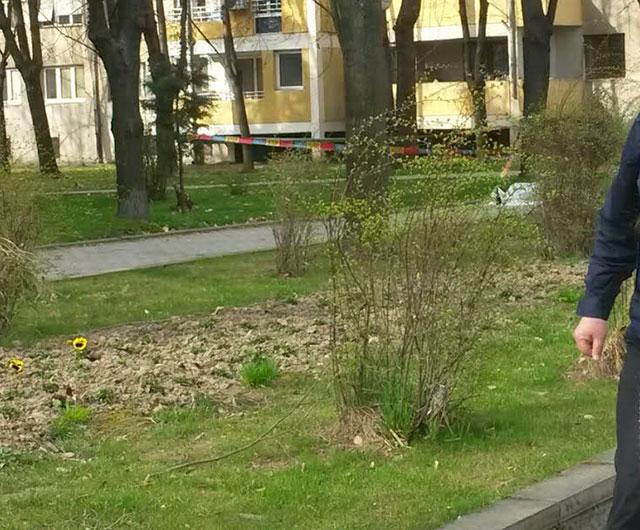 ФОТО: Курир, Мртов човек лежи на Партизанска